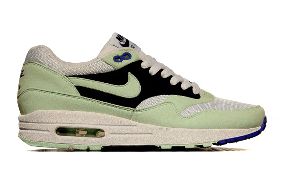 nike-wmns-air-max-1-319986-102-white-mint-candy-obsidian-game-royal
