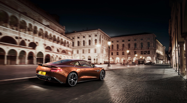 Aston Martin Vanquish1