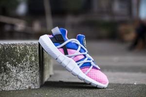 Nike-Huarache-NM-Black-Pink-2