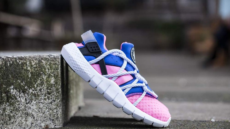 Nike-Huarache-NM-Black-Pink-2